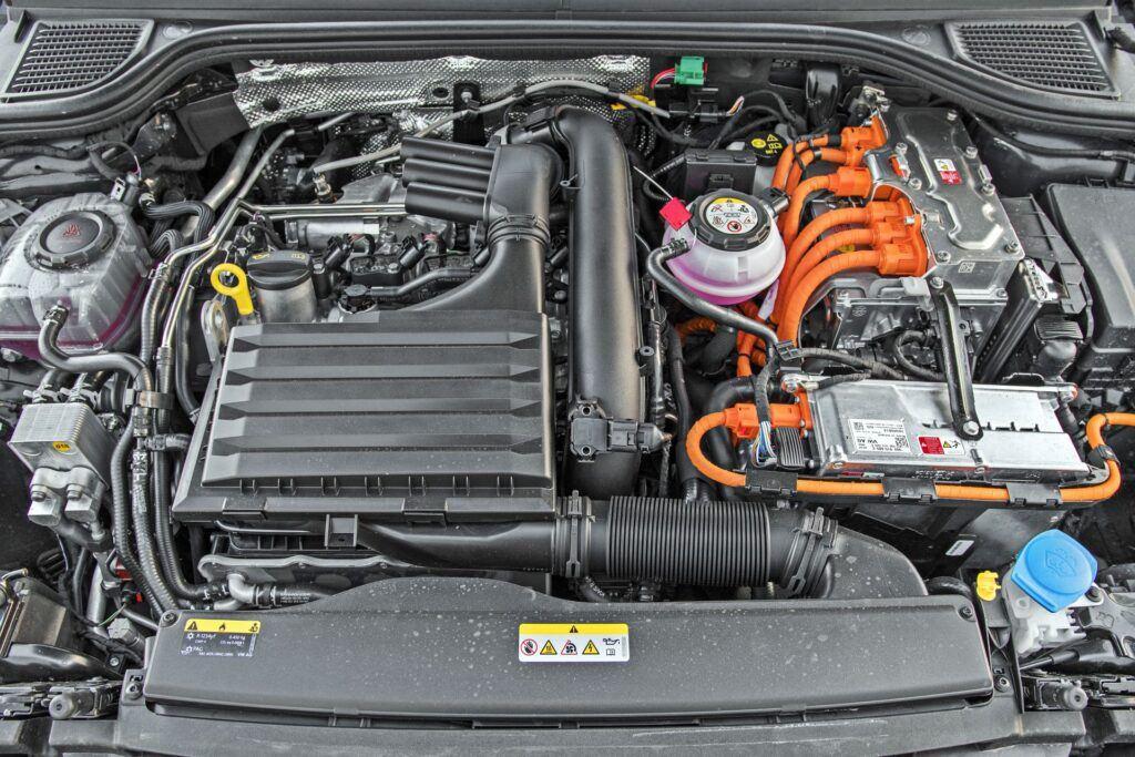 Volkswagen Golf GTE - silnik