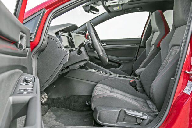 VW Golf GTI - fotele przednie