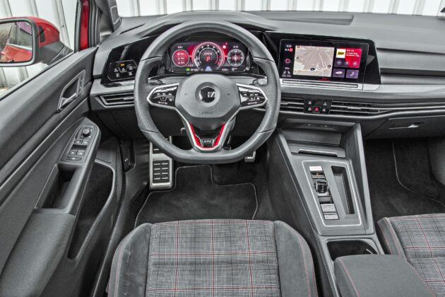 VW Golf GTI - deska rozdzielcza