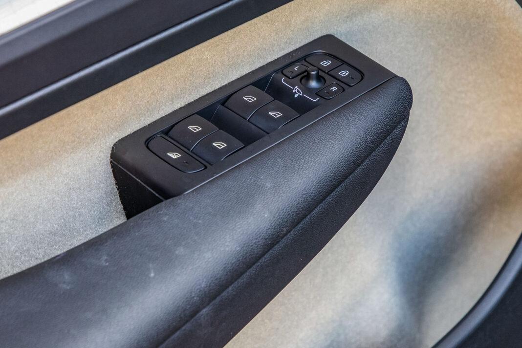 Volvo XC40 T3 test – drzwi