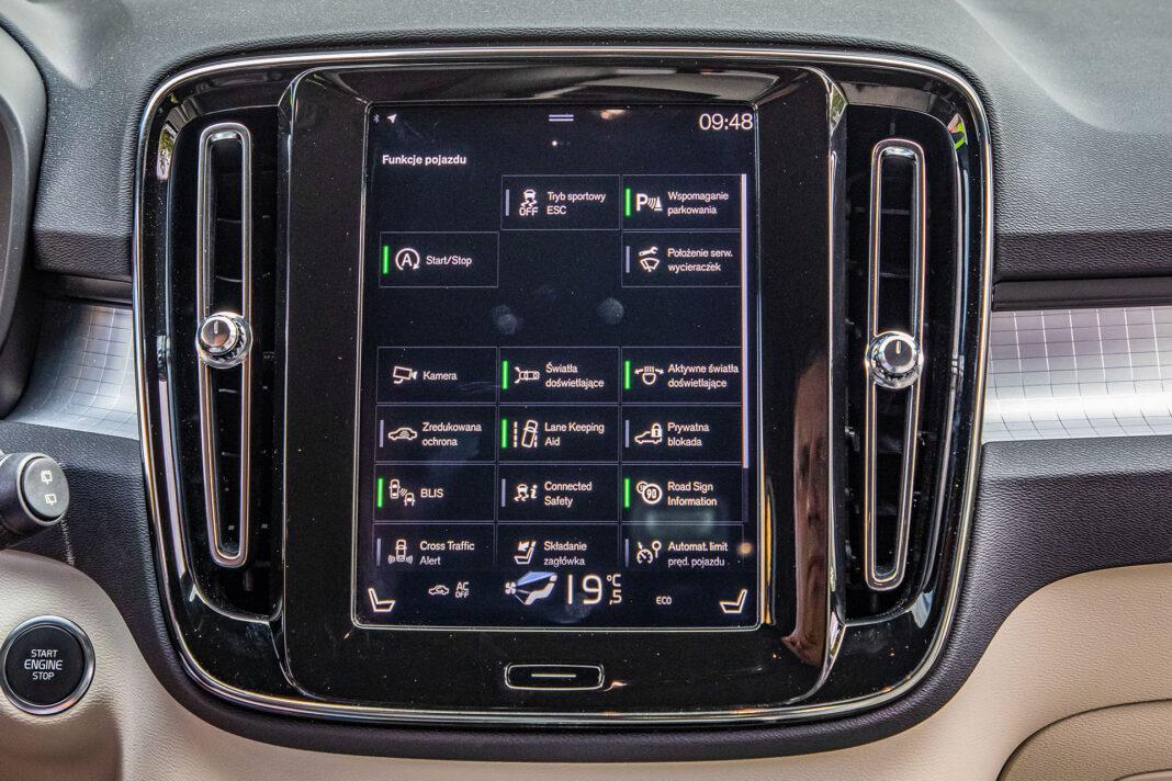 Volvo XC40 T3 test – ekran