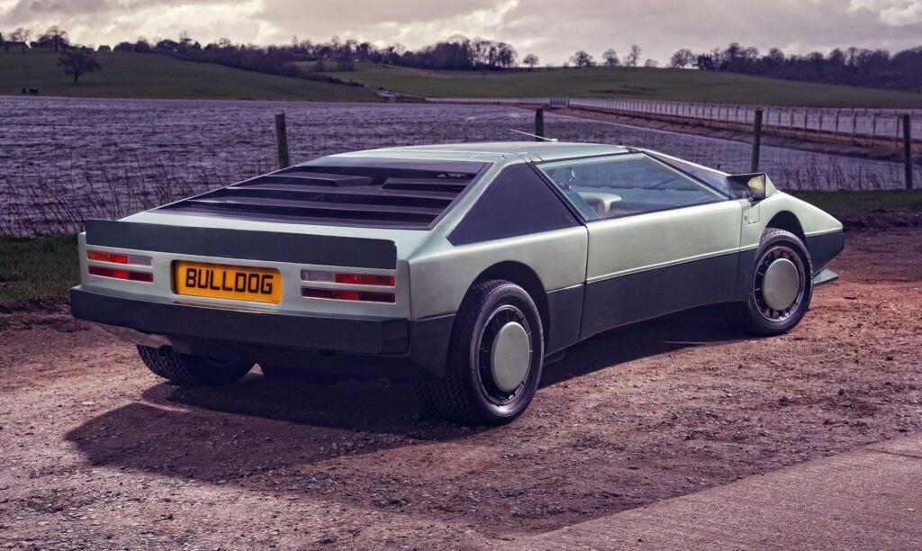 Aston Martin Bulldog 05