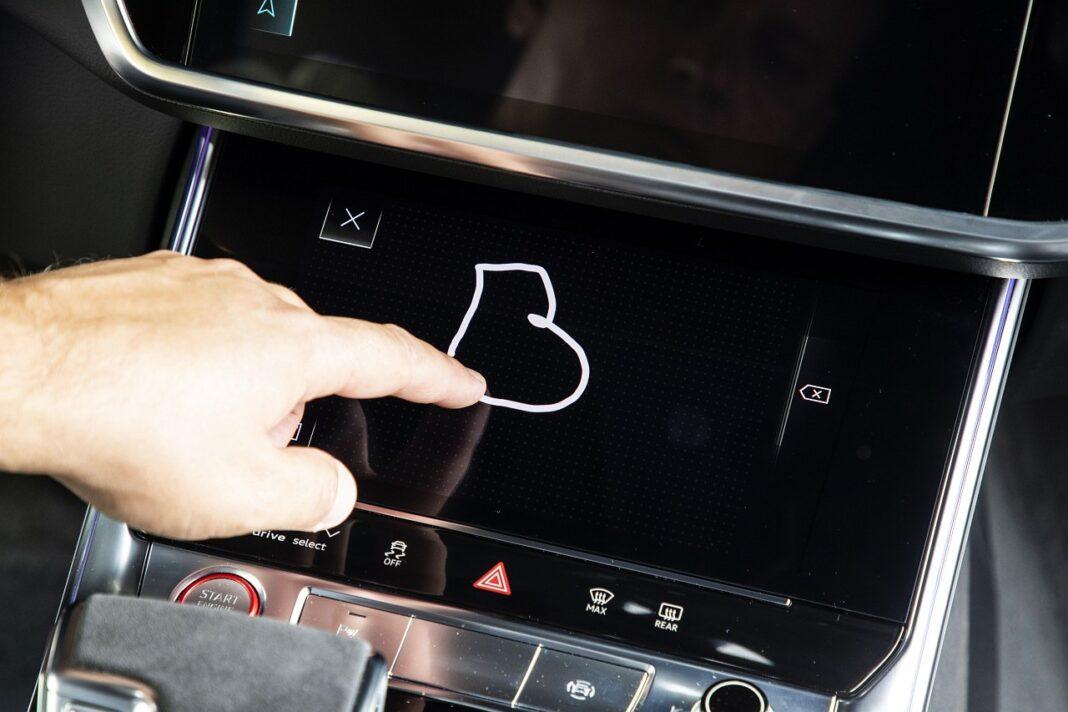 Audi RS 7 Sportback (2020) test wpisywanie komend