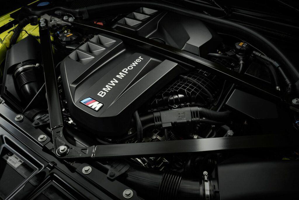 BMW M3 i BMW M4 2021 12