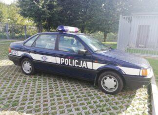 Leciwy Passat B3 jako fałszywy radiowóz! Policja na tropie