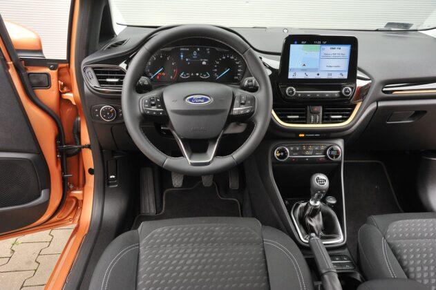 Ford Fiesta 1.0 EcoBoost - deska rozdzielcza