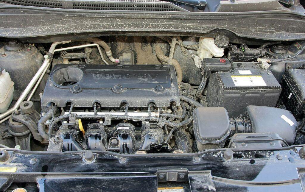 HYUNDAI ix35 I 2.0 DOHC 16V 163KM 5MT 4WD WN3387A 03-2010