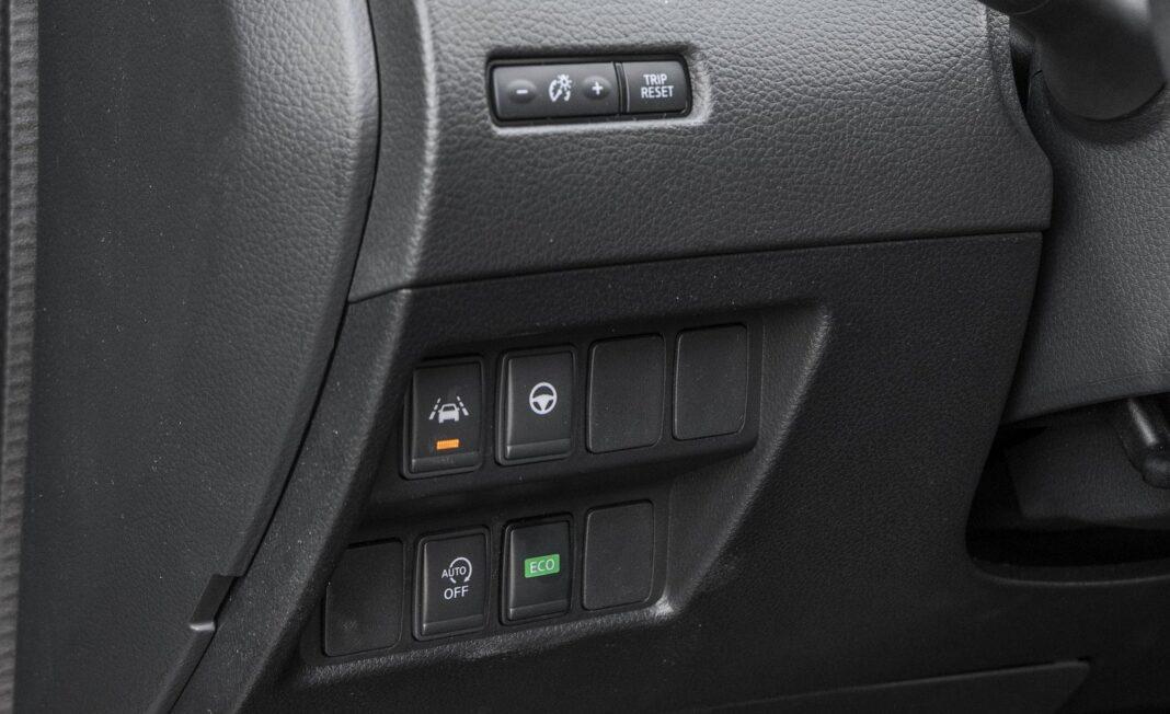 Nissan Qashqai 1.5 dCi DCT (2020) test - regulacja podświetlenia tryb Eco