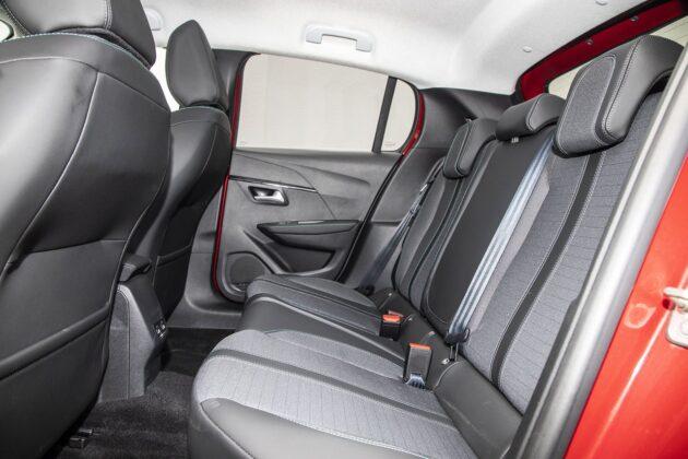 Peugeot 208 1.2 PureTech - tylne fotele