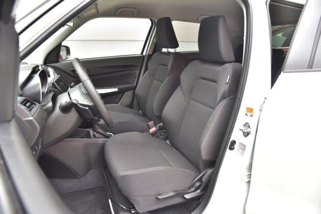 Suzuki Swift 1.2 DualJet - przednie fotele