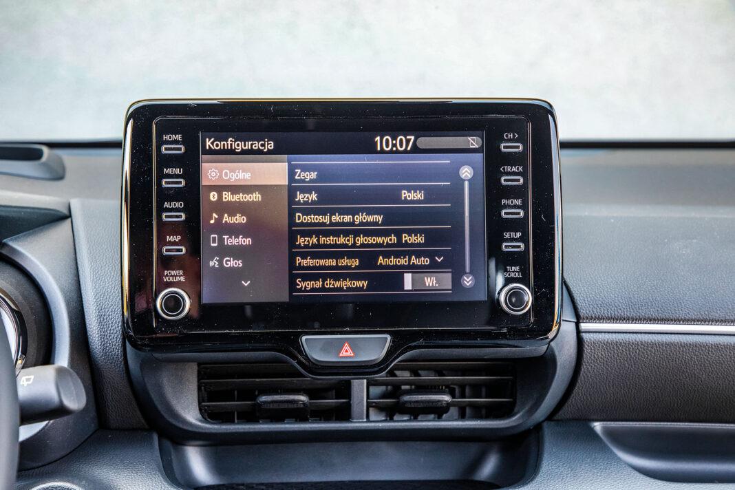 Toyota Yaris 1.5 Hybrid - ekran