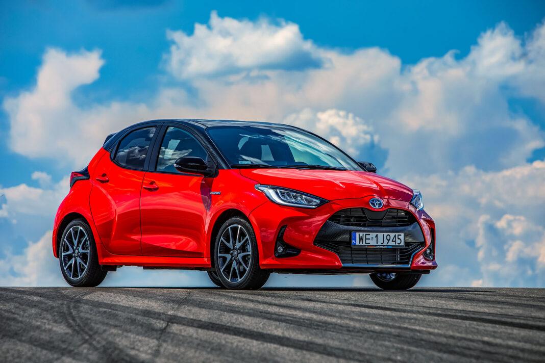 Toyota Yaris 1.5 Hybrid - prawy przód