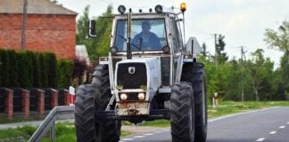 Umowa sprzedaży traktora