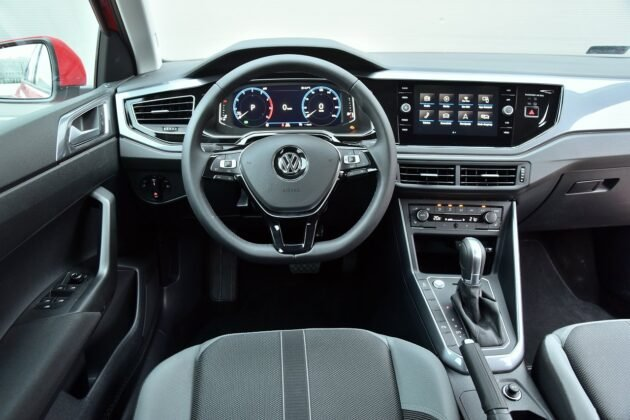 Volkswagen Polo 1.0 TSI (115 KM) DSG - deska rozdzielcza