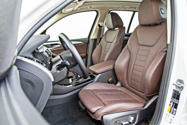 BMW iX3 - fotele przednie