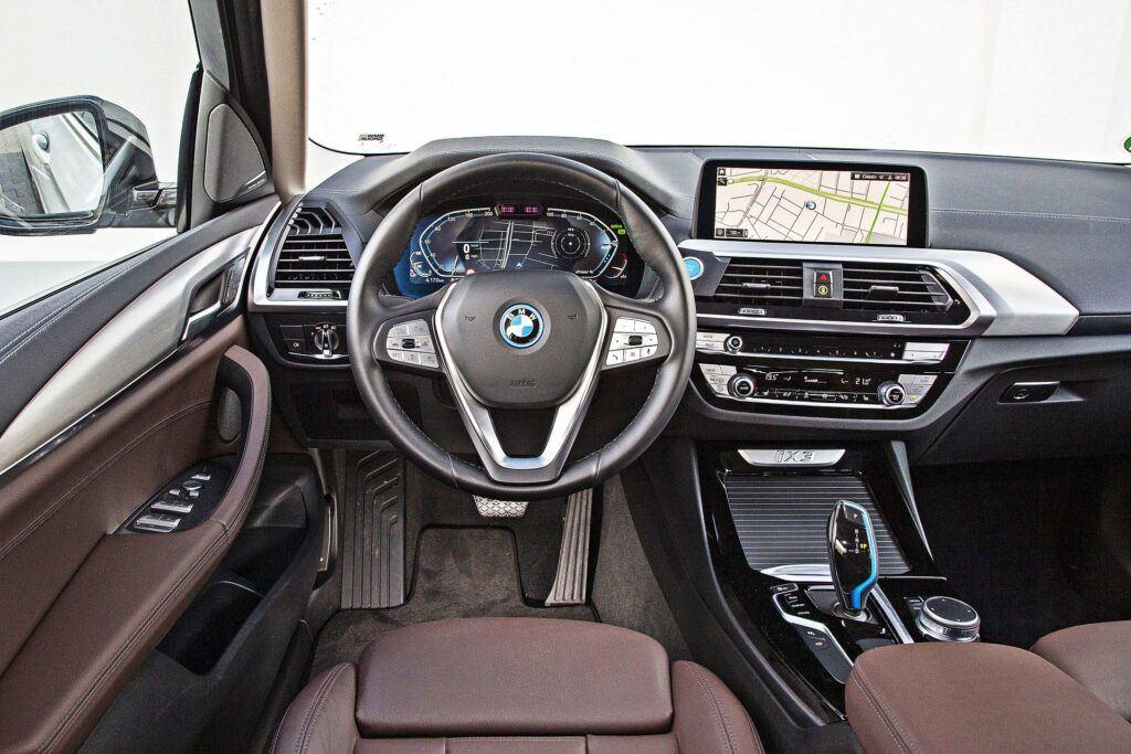 BMW iX3 - deska rozdzielcza