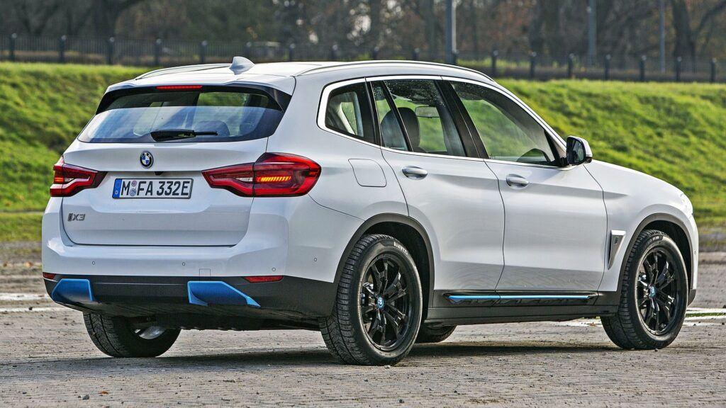 BMW iX3 - tył