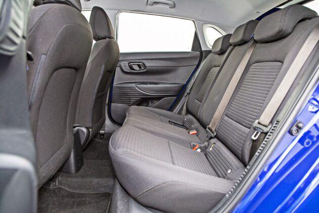 Hyundai i20 - tylna kanapa