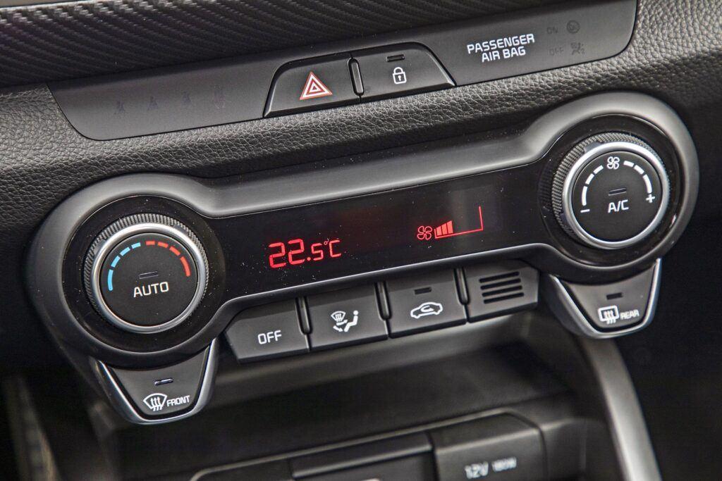 Kia Stonic - panel klimatyzacji