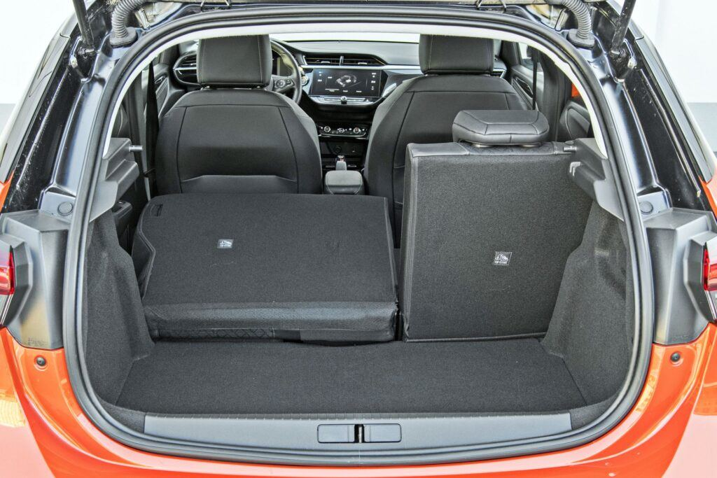 Opel Corsa-e - bagażnik