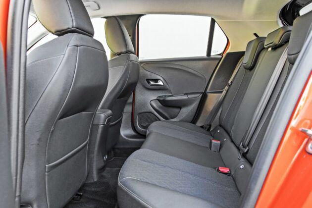 Opel Corsa-e - tylna kanapa