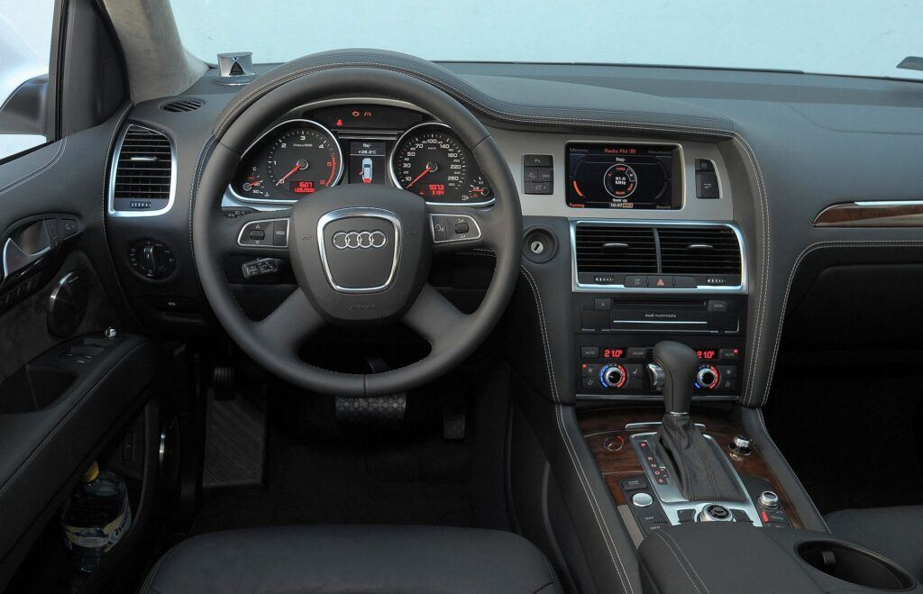 Audi Q7 I 01