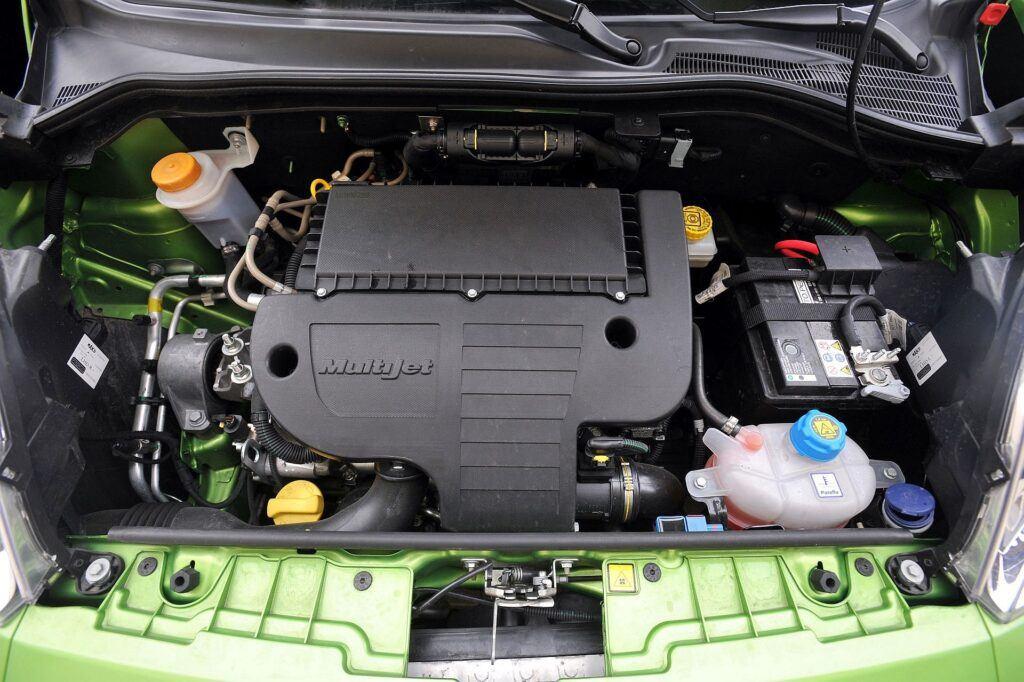FIAT Qubo Dynamic 1.3MultiJet 75KM 5MT SB4605C 11-2008