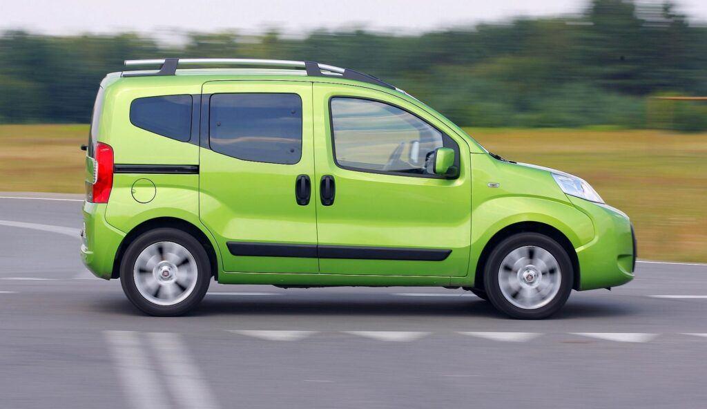 FIAT Qubo Dynamic 1.3MultiJet 75KM 5MT SB4605C 07-2009