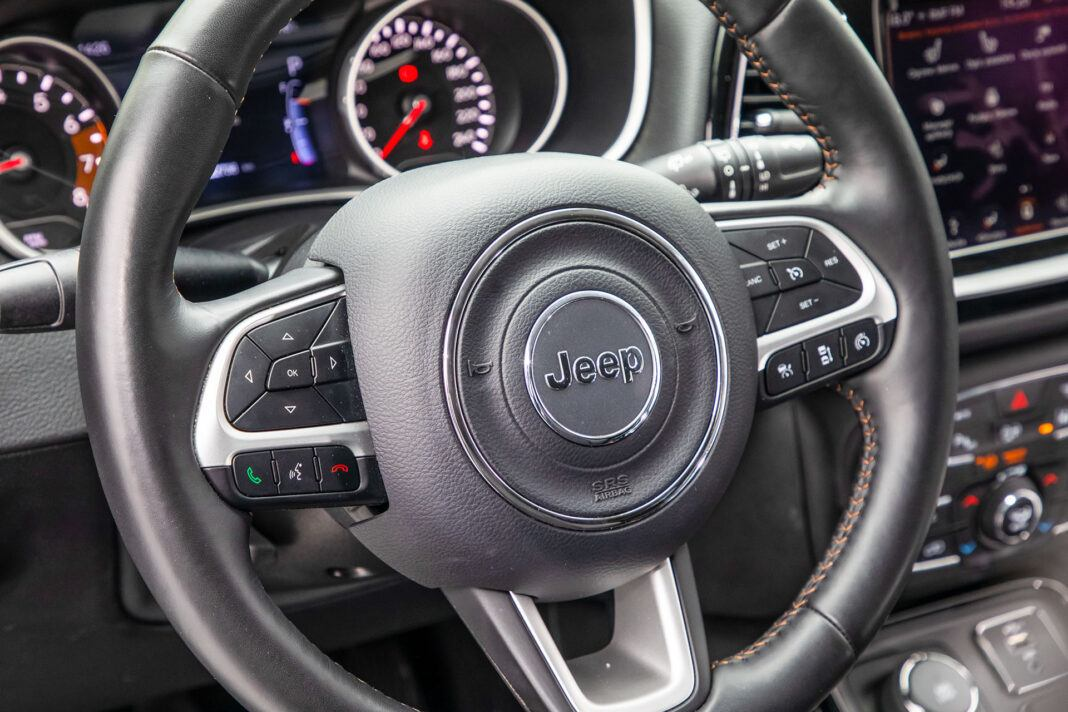 Jeep Compass - kierownica