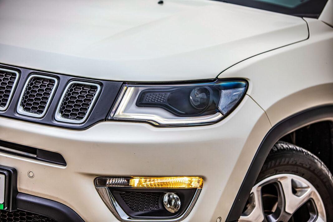Jeep Compass - światło
