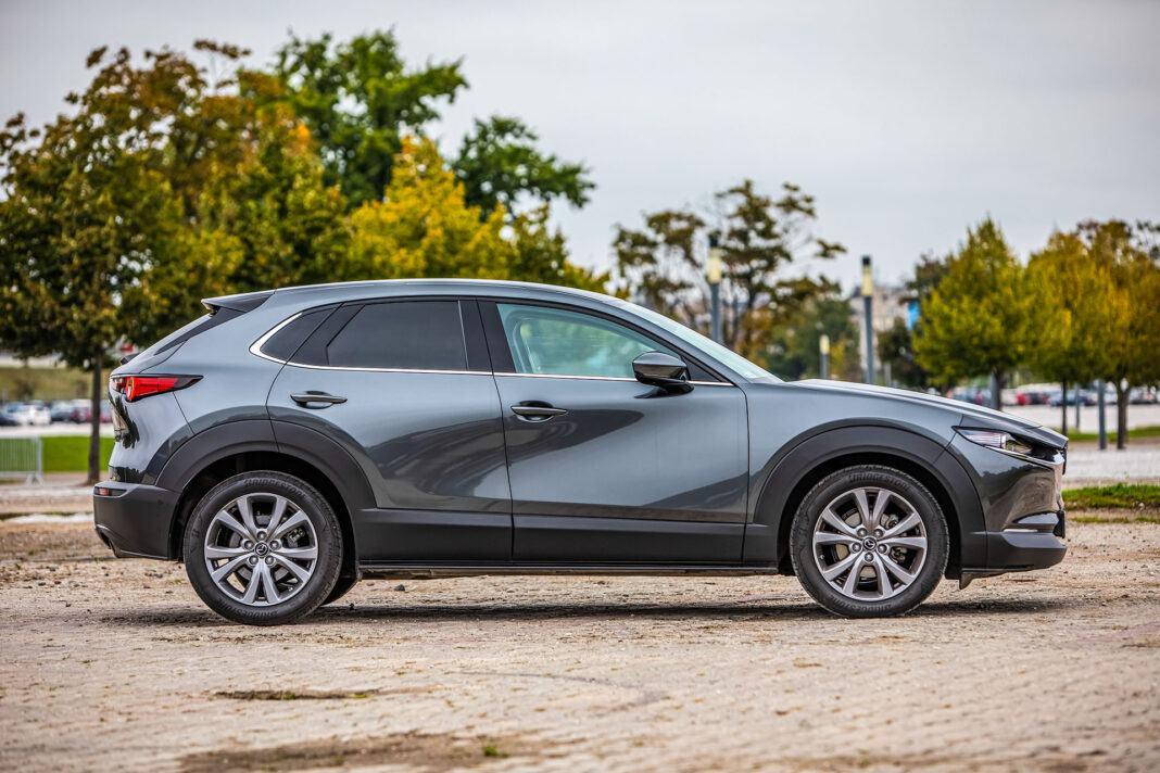 Mazda CX-30 - bok