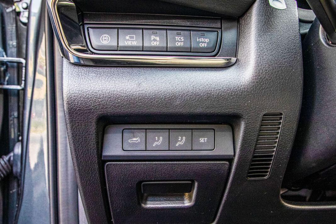 Mazda CX-30 - przełączniki