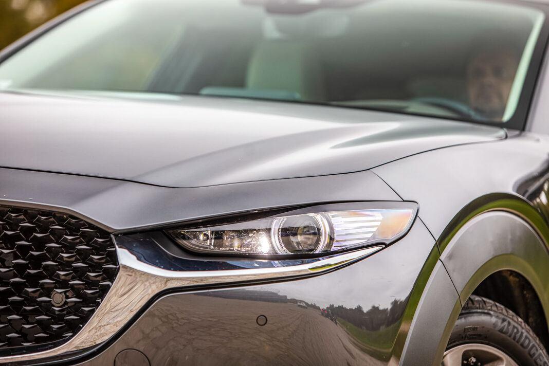 Mazda CX-30 - światła
