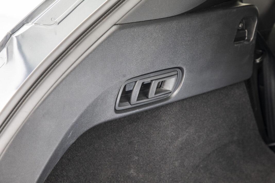 Mazda CX-5 - składanie kanapy