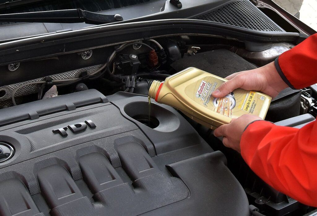 Przybywanie oleju silnikowego 02
