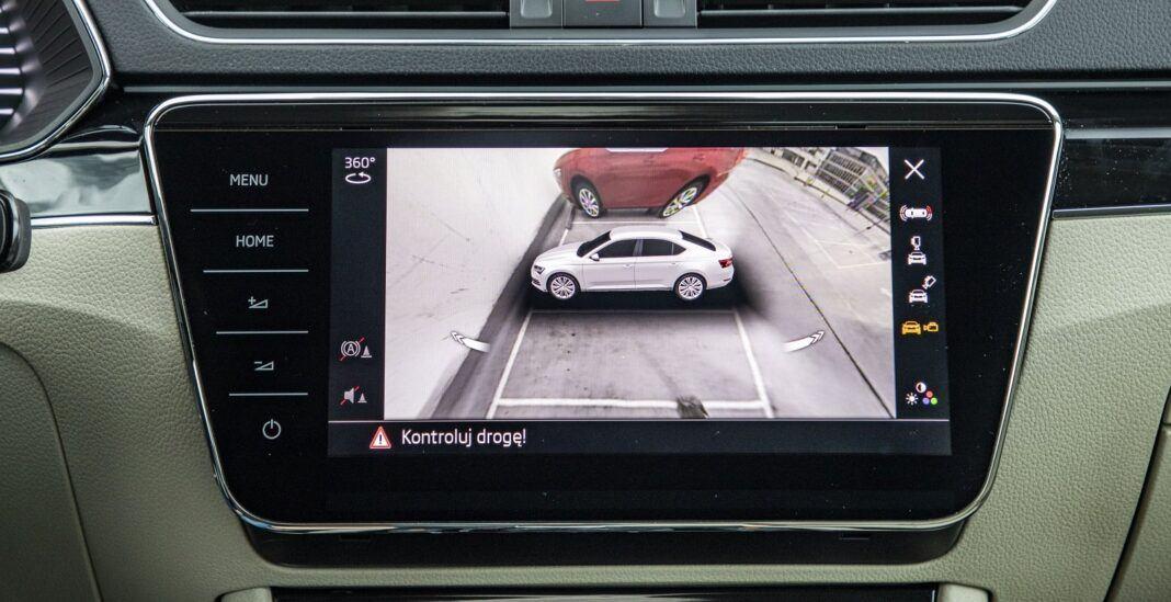 Skoda Superb iV (2020) - test - kamery 360 stopni