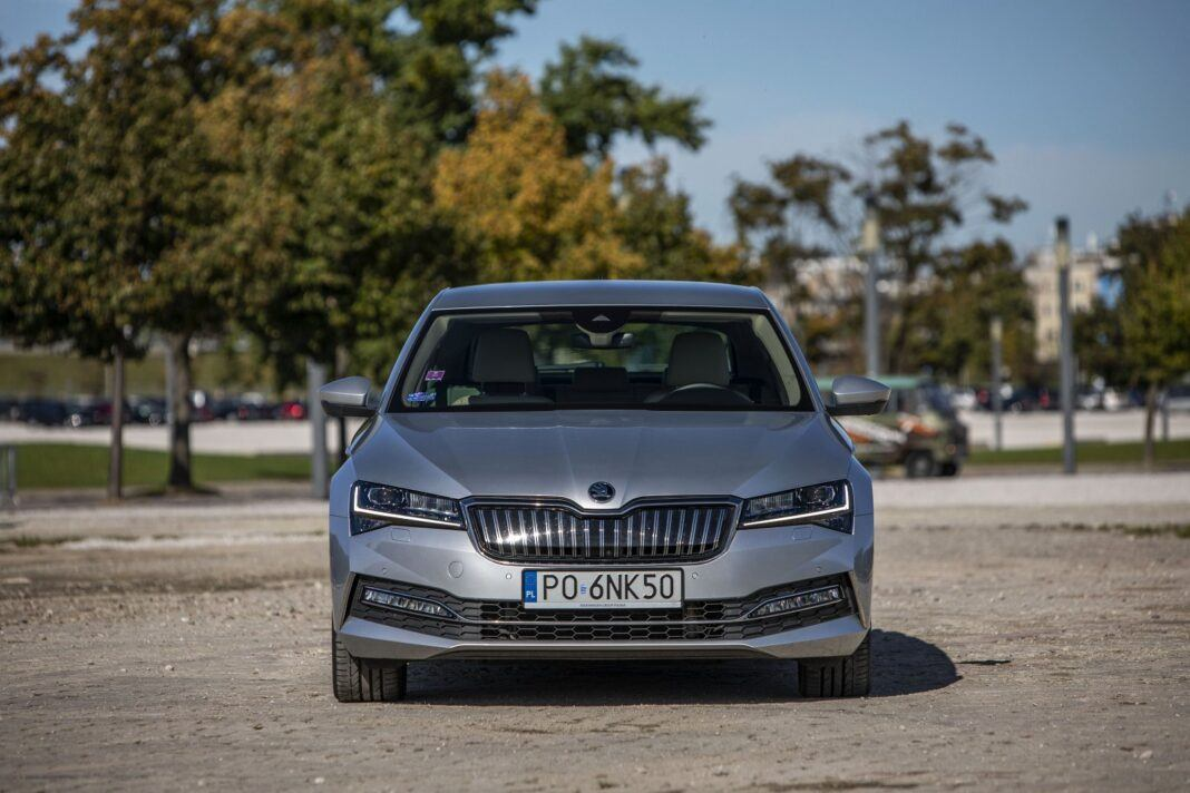 Skoda Superb iV (2020) - test - przód