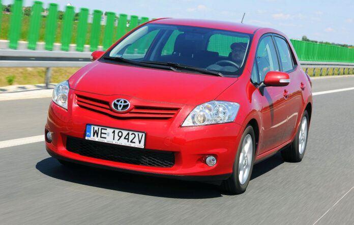 Toyota Auris I 01