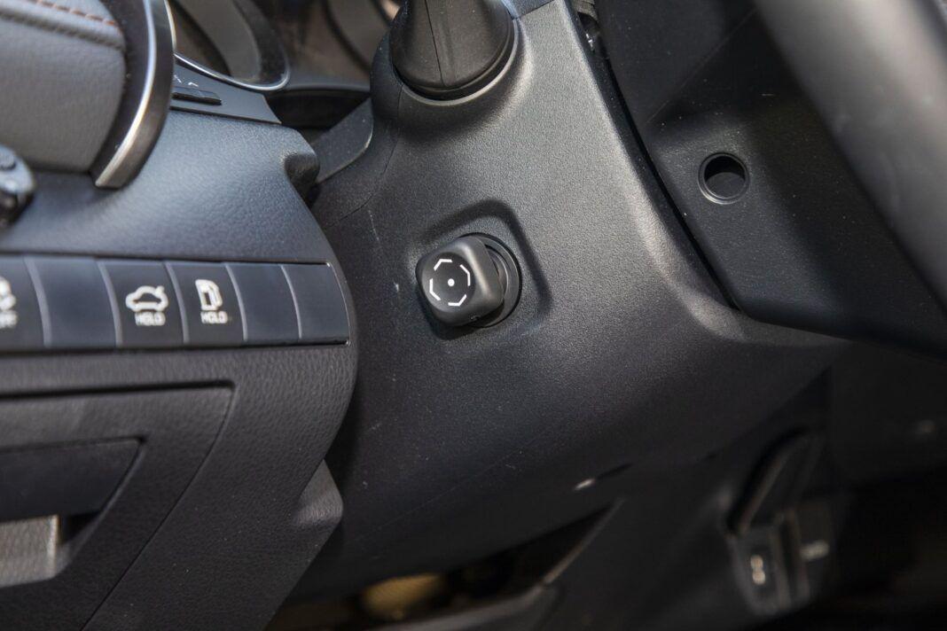 Toyota Camry Hybrid 2020 - test - elektrycznie regulowana kolumna kierownicy