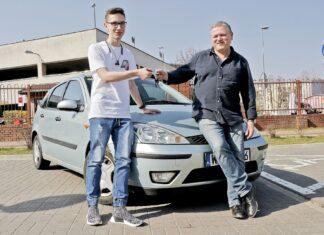 Umowa kupna-sprzedaży samochodu - dwóch kupujących. Jak ją spisać?