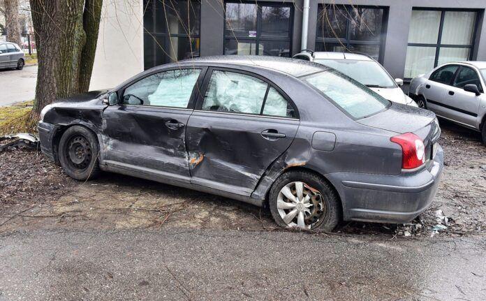 Umowa sprzedaży uszkodzonego samochodu