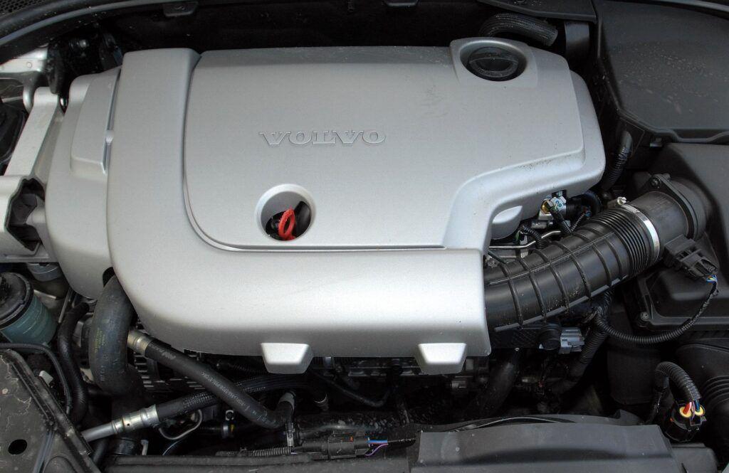 Volvo V70 III 01