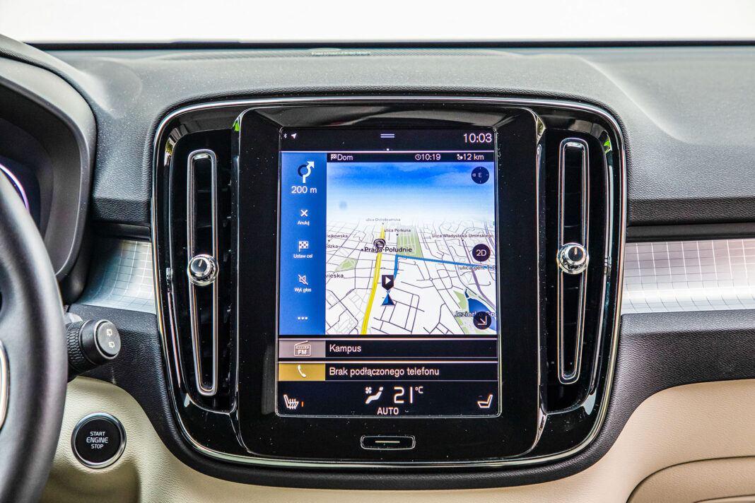 Volvo XC40 - ekran