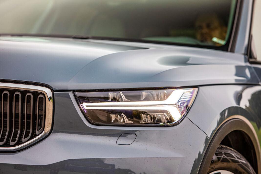 Volvo XC40 - światło