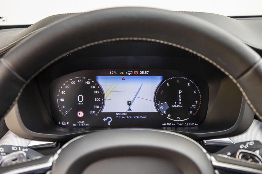 Volvo XC60 - ekran zegarów