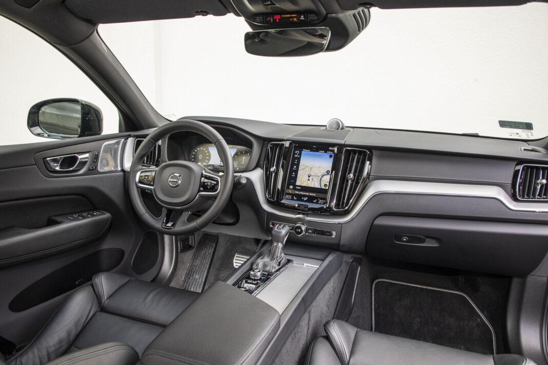 Volvo XC60 - kokpit