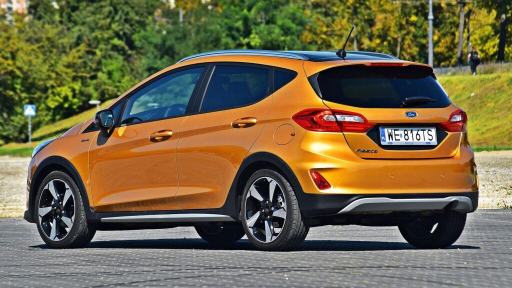 Ford Fiesta Active - tył