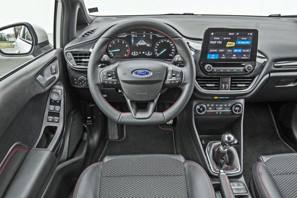 Ford Fiesta - deska rozdzielcza