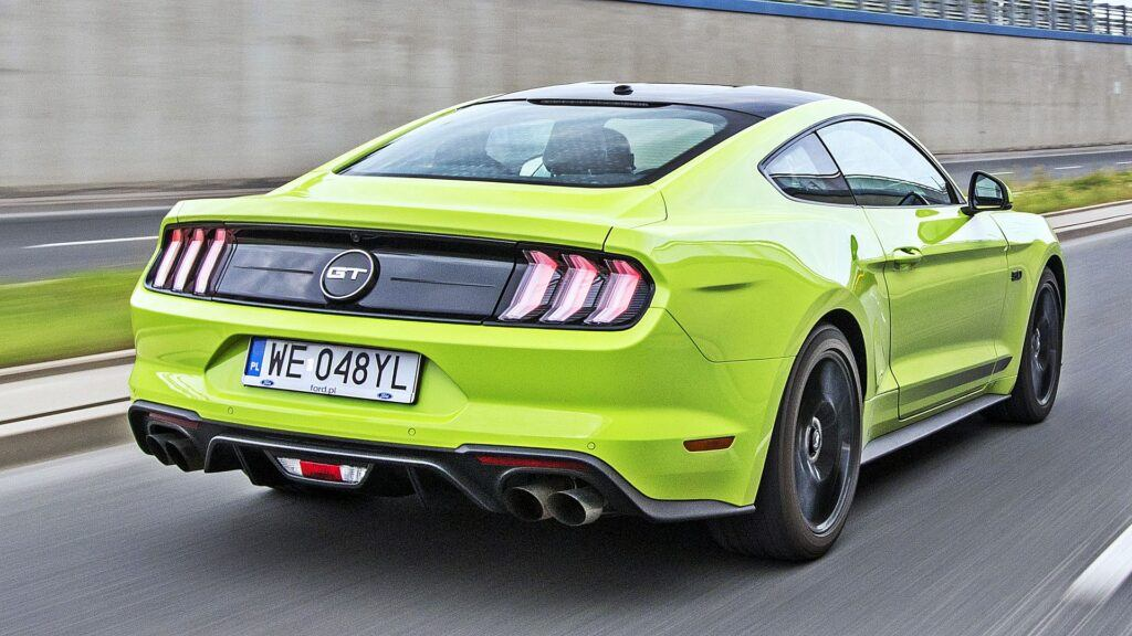 Ford Mustang GT - tył
