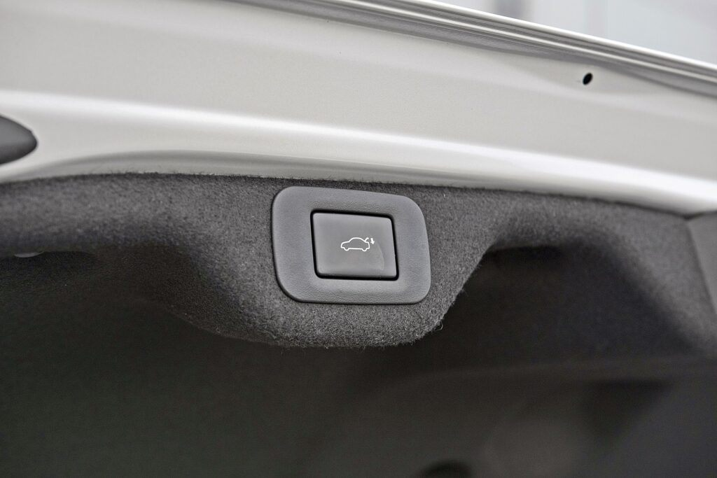 Lexus ES 300h (2020)